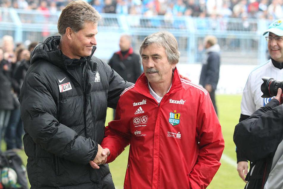 2013 wurde Gerd Schädlich als CFC-Coach vom Preußen-Trainer Ralf Loose vor dem Anpfiff begrüßt.