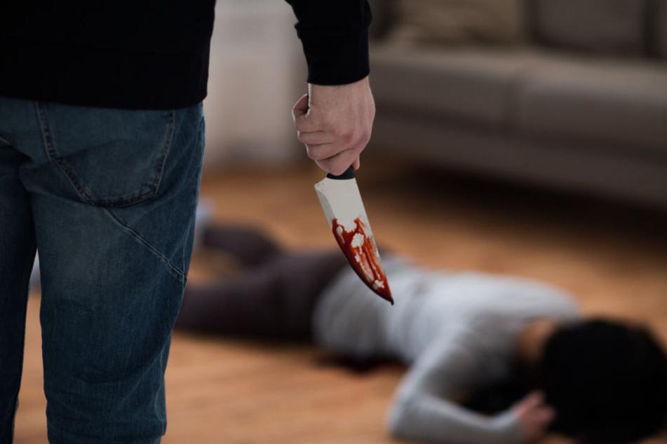 Die Frau wurde bei dem Angriff lebensgefährlich verletzt. (Symbolbild)