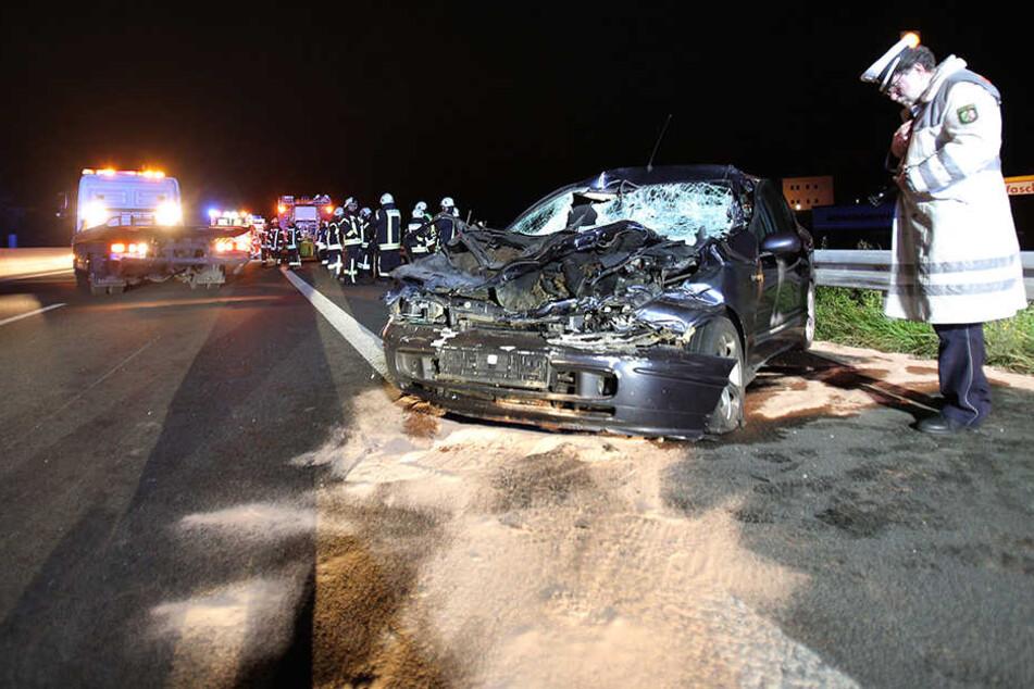 Der Fahrer erlitt lebensgefährliche Verletzungen.