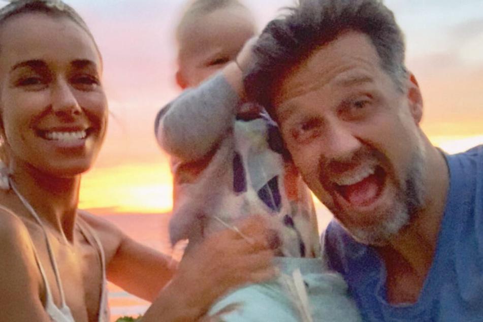 Annemarie und Wayne Carpendale waren zusammen mit Söhnchen Mads im Urlaub.