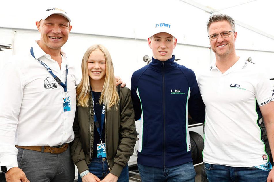 David Schumacher (2.v.r.) wird von seinem Vater (r.) gefördert. Hier sind beiden mit Axel Schulz samt Tochter zu sehen.