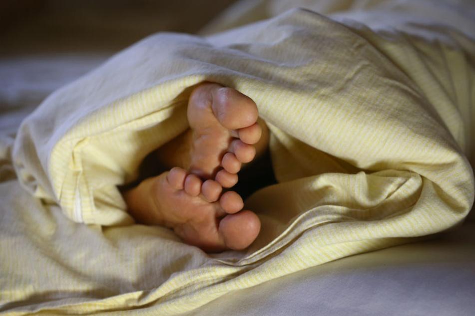 Vor allem mit Schlafstörungen haben einige nach der Zeitumstellung zu kämpfen.