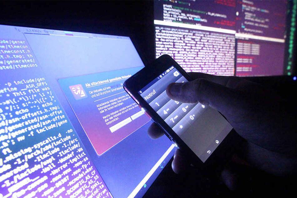 Kriminalität nimmt im Internet immer mehr zu. Seit Ende letzten Jahres sind deshalb Cyber-Polizisten bei der sächsischen Polizei im Einsatz. (Symbolbild)