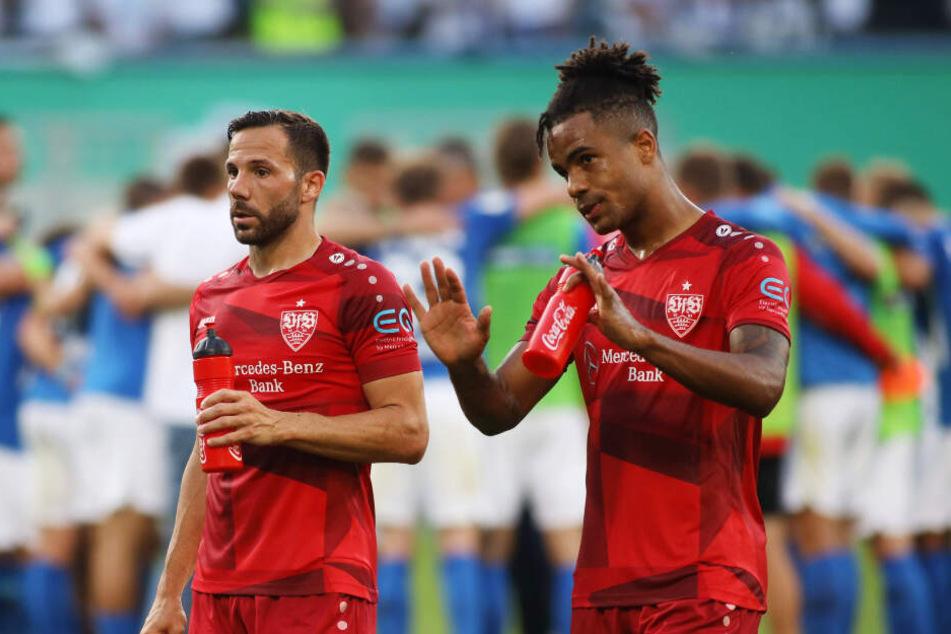 Nach dem Sieg im Pokal in Rostock: VfB-Kicker Gonzalo Castro (l.) und Daniel Didavi (r.).