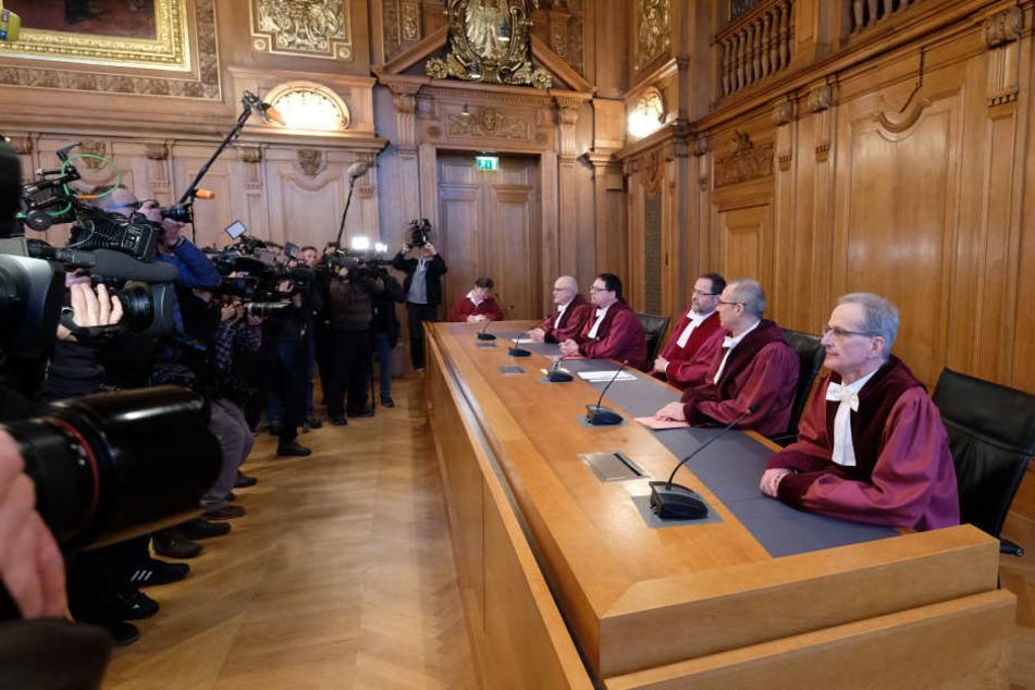 Großer Medienrummel am Bundesverwaltungsgericht in Leipzig: Die Richter entschieden, dass Diesel-Fahrverbote zulässig sind.