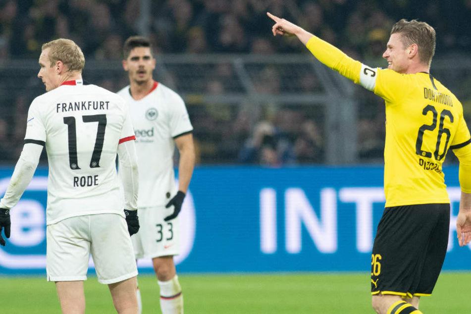 Lukasz Piszczek freut sich über seinen Treffer zum 1:0.