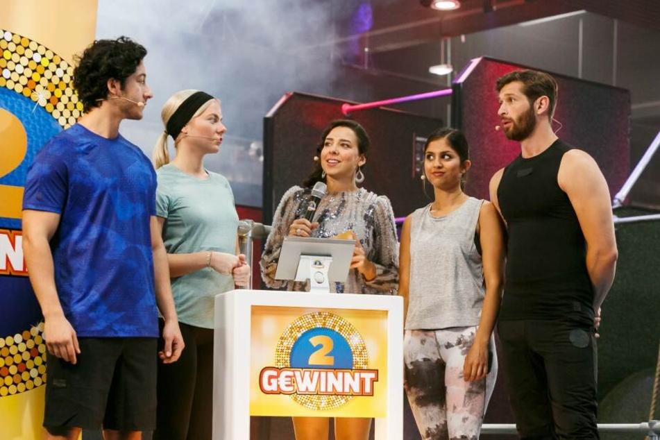 Piedro (Mehmet Daloglu), Marie (Cheyenne Pahde), Moderatorin (Phylicia Whitney), Aylin (Sara Fuchs), Deniz (Igor Dolgatschew)