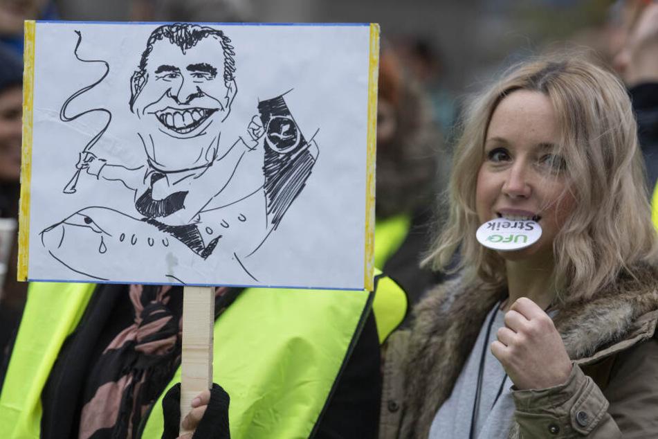 Am Donnerstag und Freitag streikten die Flugbegleiter unter anderem auch am Flughafen in Frankfurt.