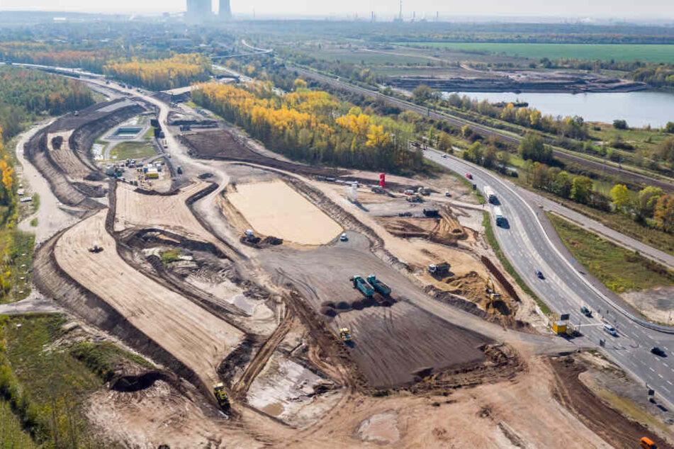 Bei Großdeuben wird noch bis Ende 2026 der letzte Abschnitt der A72 bis zur A38 gebaut.