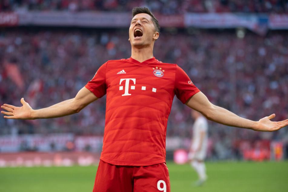 Robert Lewandowski von München jubelt über sein Tor zum 2:0. Der Treffer beim Heimspiel gegen Union Berlin war sein insgesamt schon 13. Saisontor für den deutschen Meister.