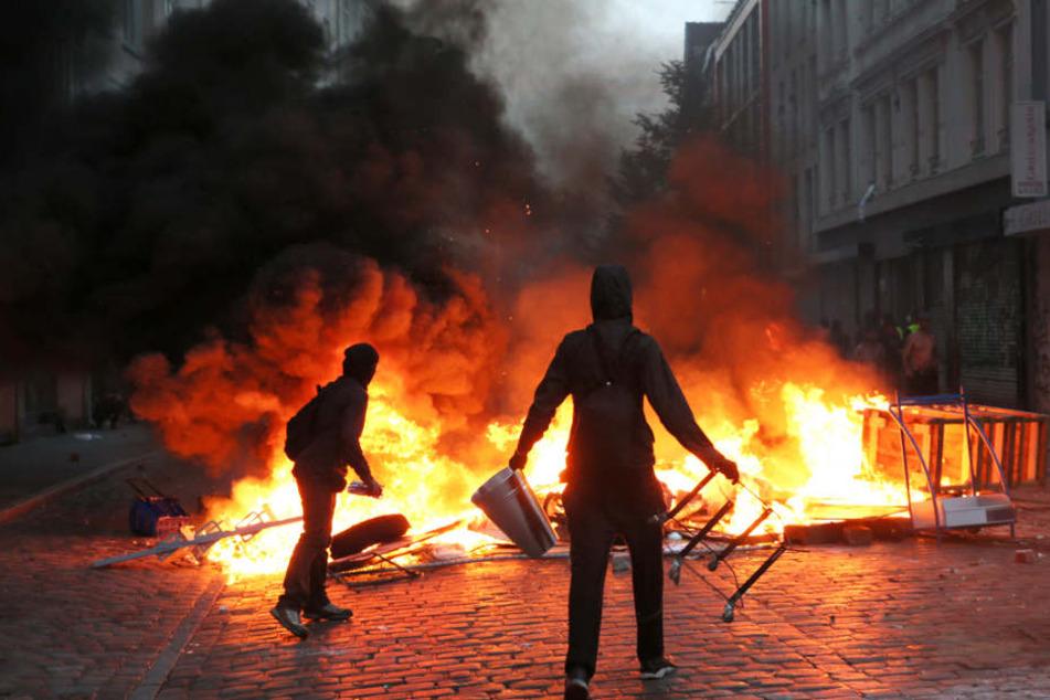 Brennender Barrikaden im Schanzenviertel und Randalierer prägten das Bild der Proteste gegen den G20-Gipfel in Hamburg.