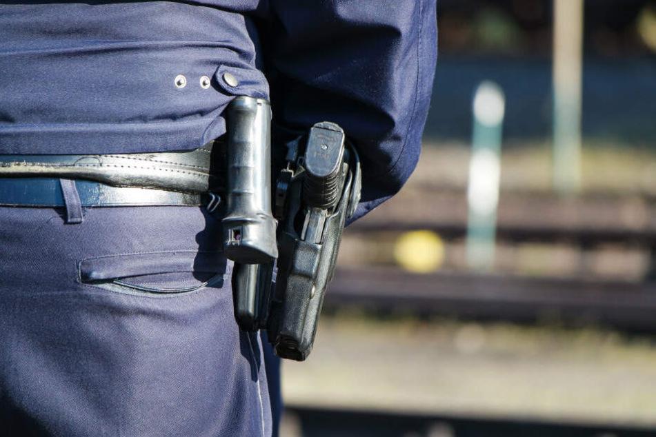 Die Polizei konnte den 15-Jährigen nach kurzer Jagd stoppen. (Symbolbild)