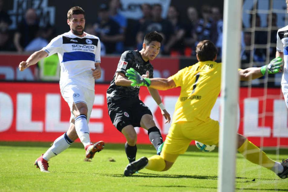 Yi-Young Park nutzte in der 39. Minute die Gunst der Stunde und netzte zum entscheidenden 1:0 für St. Pauli ein.