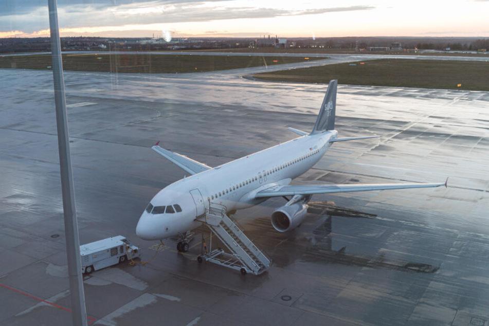Der Sundair-Flieger blieb am Dienstag am Boden.