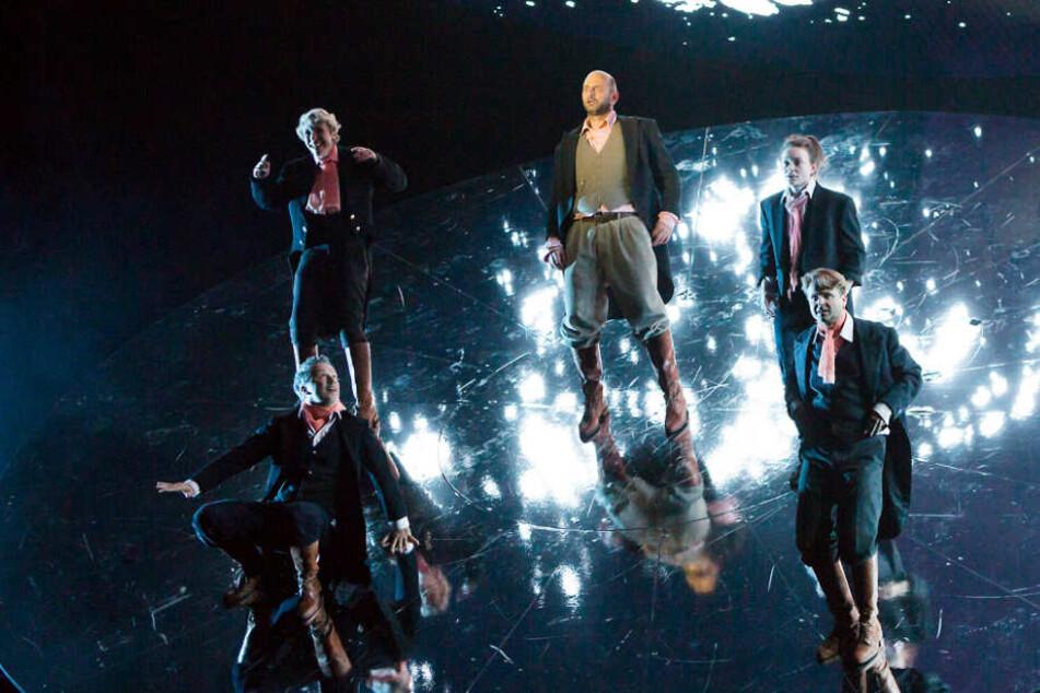 """Der """"Faust"""" ist zurück auf den Theaterbühnen. In dieser Spielzeit haben gleich mehrere Häuser, darunter Leipzig, Chemnitz und Halle, Goethes Klassiker auf den Spielplan gesetzt."""