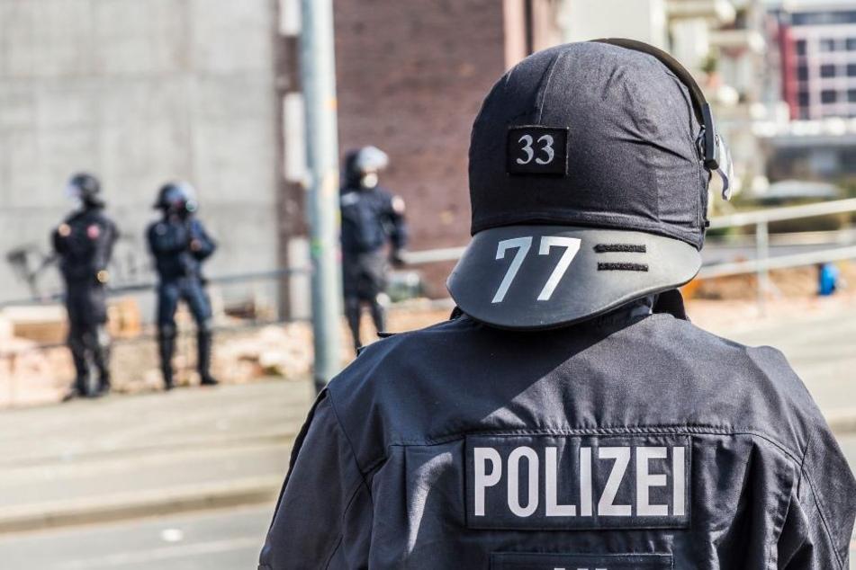 Die Polizei in NRW will in Brennpunkten stärkere Präsenz zeigen.