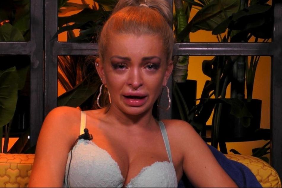 Katja Krasavice gestand bei Promi BB unter Tränen, dass sie abgetrieben hat.