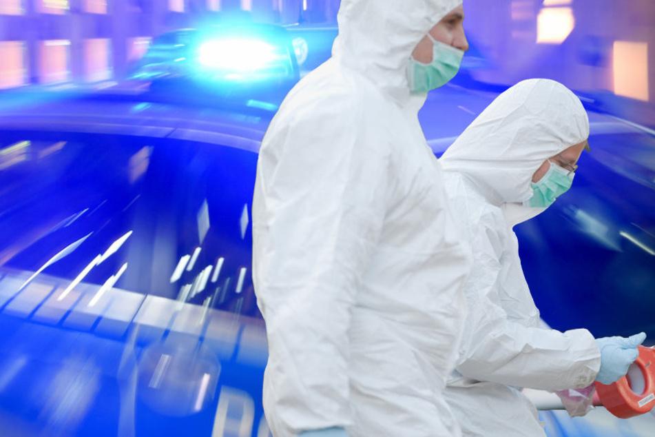 Die Spurensicherung der Berliner Polizei war in der Wohnung des Toten zugange. (Bildmontage)