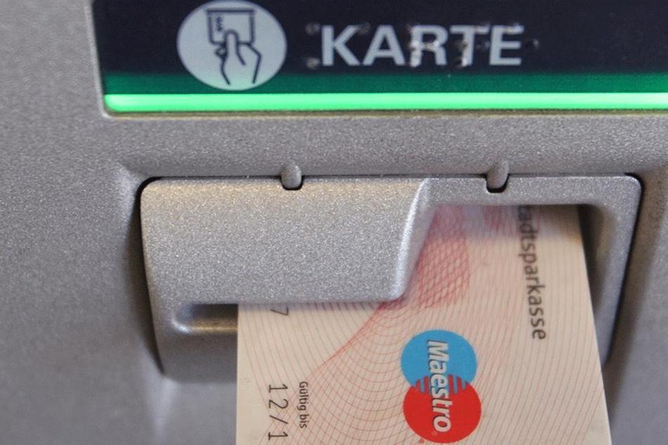 Kartenbetrug: Mann ist fassungslos, als er Fahndungs-Foto des Täters sieht