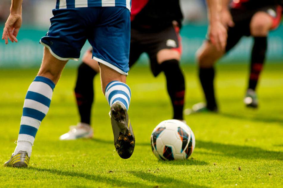 Die Kicker vom SV Hintereben sorgten wohl für ein absolutes Novum im Fußball. (Symbolbild)