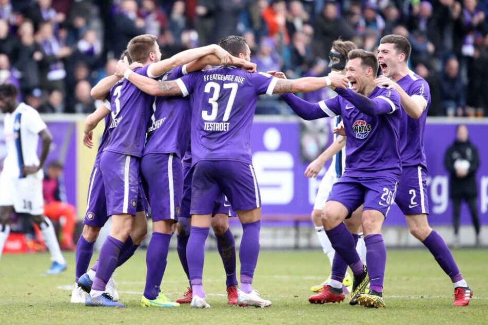 Jubel nach dem 2:0 am Samstag gegen den HSV: Wird es solche Bilder auch beim Sachsenderby am Sonntag geben?