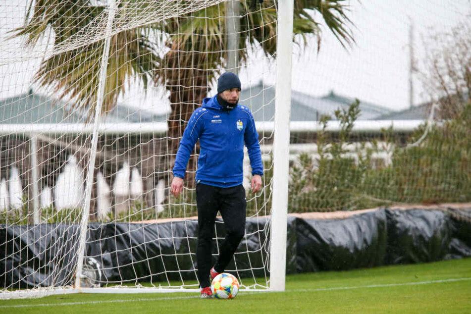 Christian Tiffert im türkischen Belek auf dem Platz - nicht als Spieler, sondern Co-Trainer.