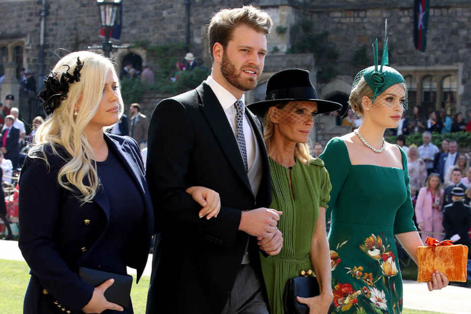 v.li.: Eliza Spencer, Louis Spencer, Victoria Aitken und Kitty Spencer am 19. Mai 2018 auf dem Weg zur Trauung von Prinz Harry und Meghan in der St.Georgs-Kapelle.