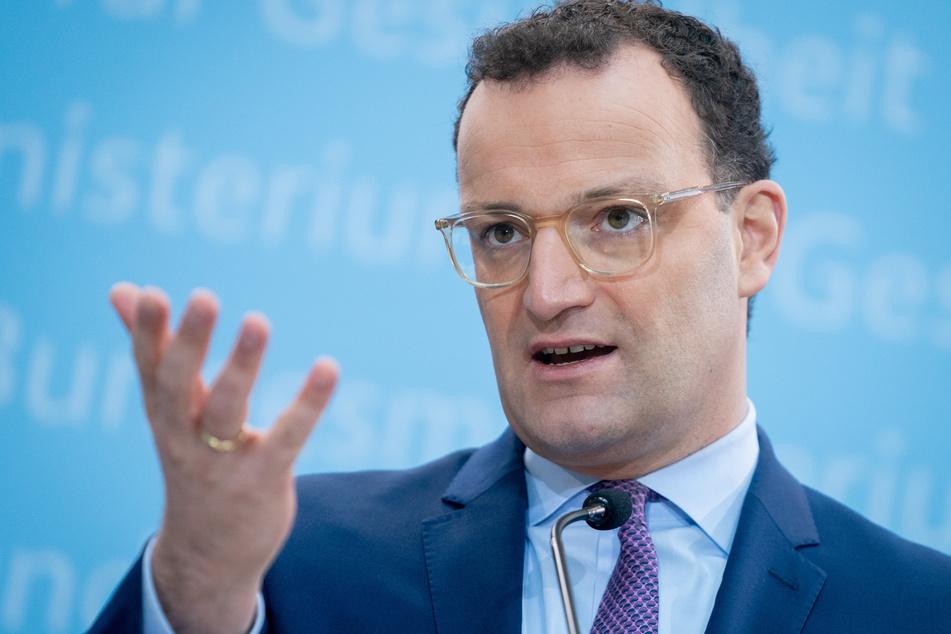 Bundesgesundheitsminister Jens Spahn (CDU) verspricht weiterhin, dass im Sommer alle Deutschen geimpft werden können.