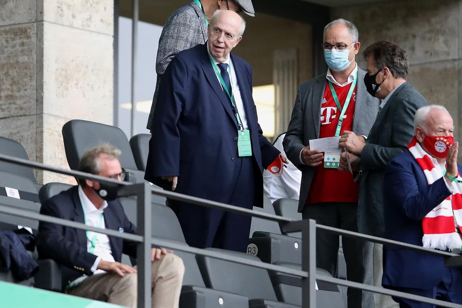 Reiner Calmund (72) ist auch heute noch bei so manchem Fußballspiel anzutreffen, hier beim DFB-Pokal-Finale zwischen Bayern München und Bayer Leverkusen im vergangenen Jahr.