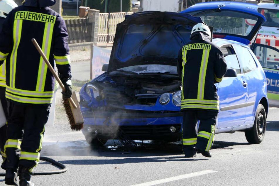 Am Montag fing ein VW Polo Feuer, nachdem er einem Ford Focus aufgefahren war.
