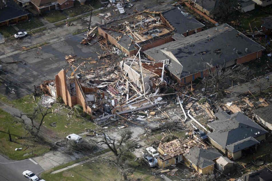 Ein Tornado hat in New Orleans Verwüstungen angerichtet. Auch eine Kirche wurde zerstört.