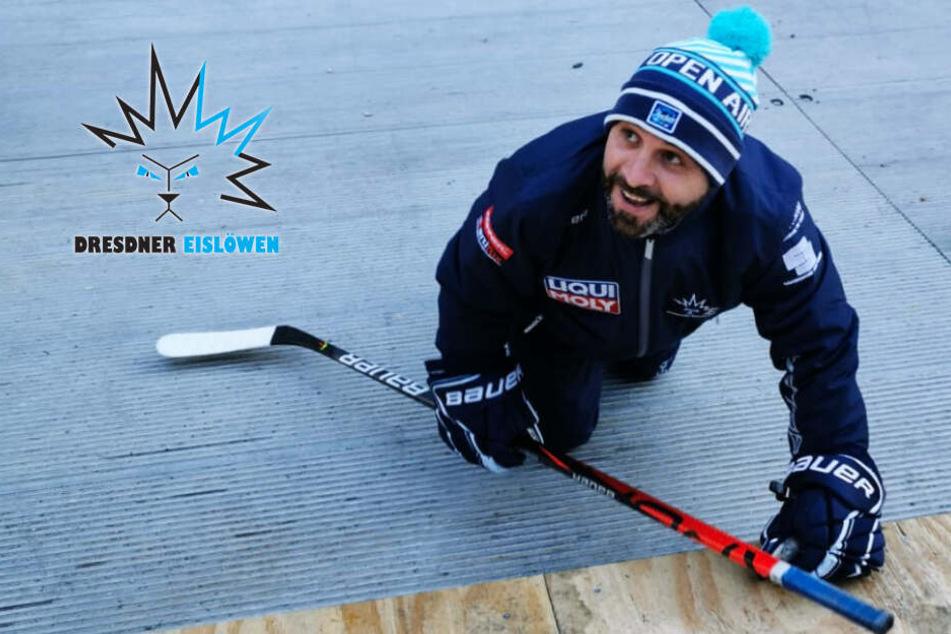 Eislöwen vorm großen Winterderby: Darum krabbelte Coach Rossi auf allen Vieren