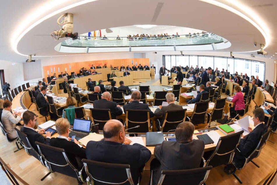 Sanktionen für Hetze im hessischen Landtag: Das sind die neuen Regeln