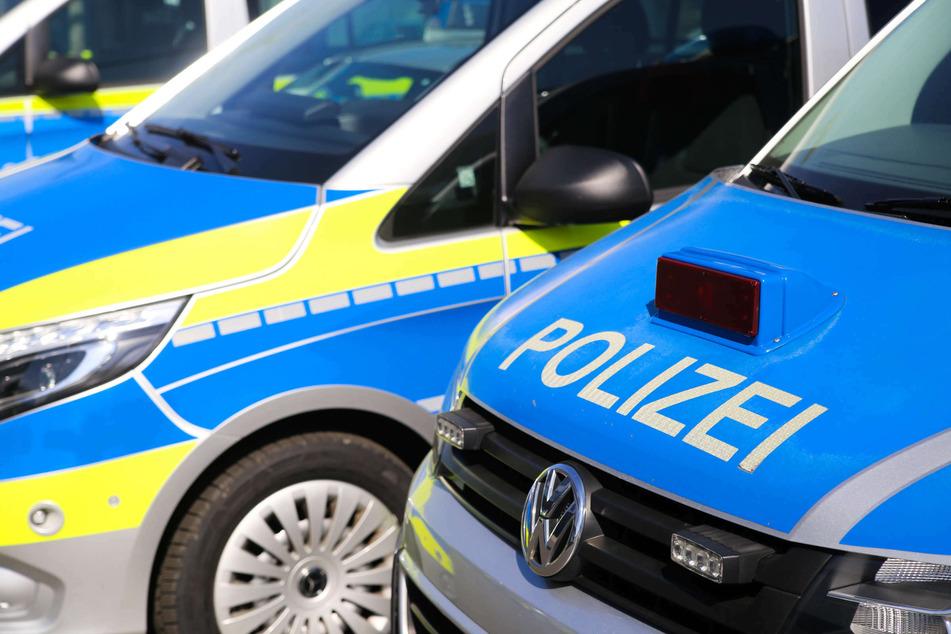 In Euskirchen ist am Donnerstag eine Geburtstagsparty mit einem Polizeieinsatz geendet. Keiner der 70 Gäste hatte sich an die Coronaschutzverordnung gehalten. (Symbolbild)