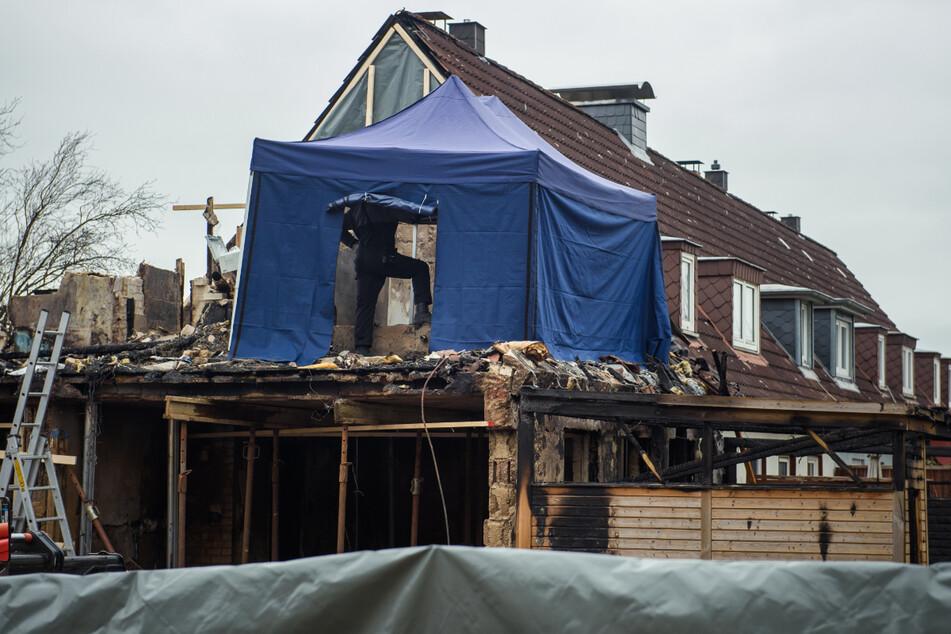 Nach Explosion in Reihenhaus: Polizei findet Leiche