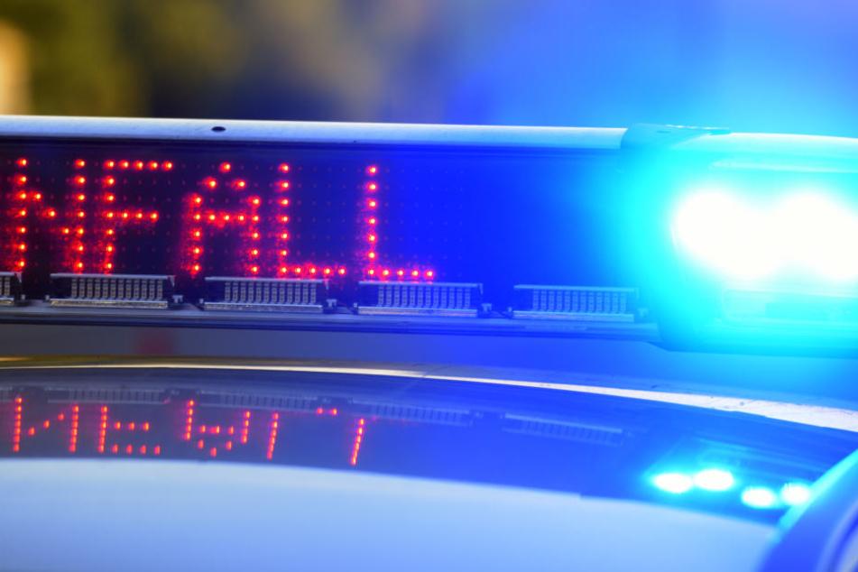 Selten dumm: Betrunkener kracht mit Audi R8 in Polizeiauto!