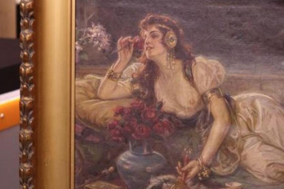 Die Frau auf dem Ölgemälde sorgt mit ihrer freizügigen Kleidung für Aufsehen.