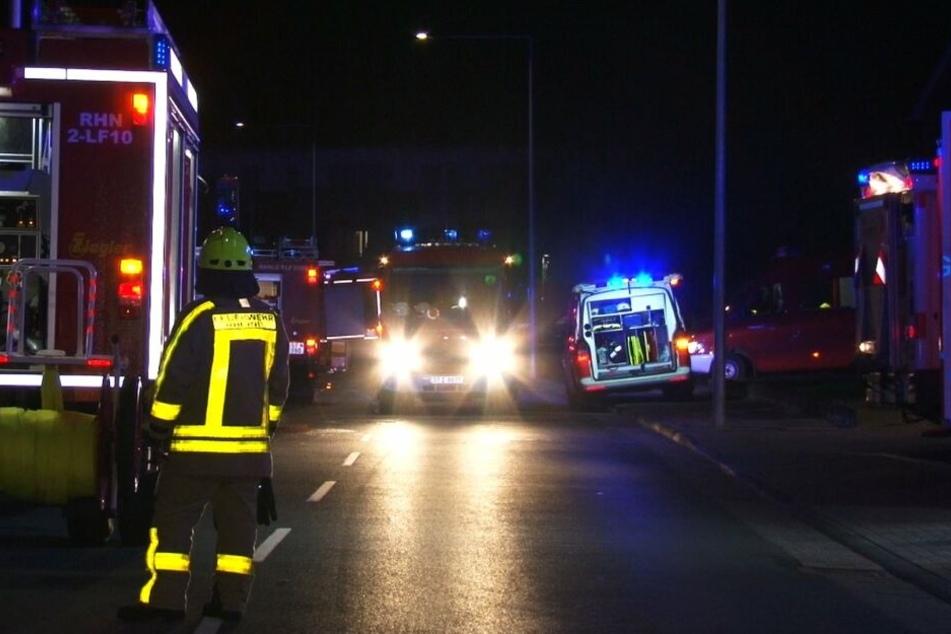 Die Feuerwehr konnte eine Frau zunächst retten, sie starb später aufgrund ihrer Verletzungen.