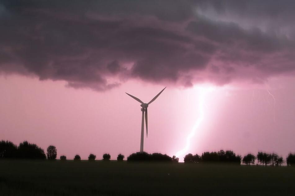 Am Sontag kann es in Deutschland wieder zu heftigen Gewittern kommen.