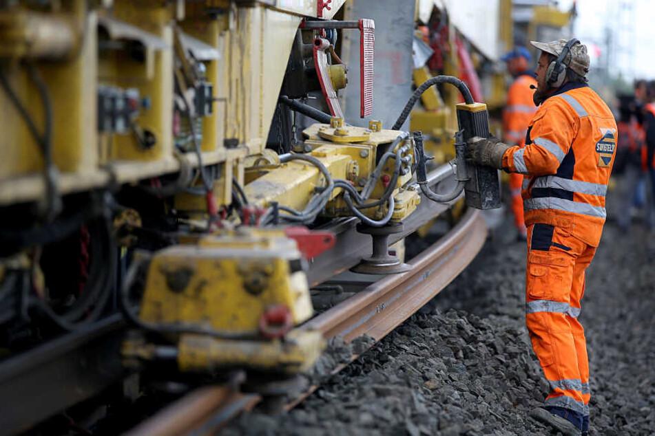 Bauarbeiten am Gleis sind einer der Hauptgründe für Verspätungen im Nah- und Fernverkehr.