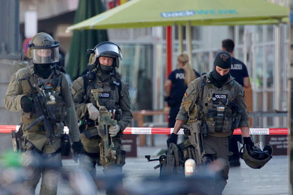 SEK-Beamte hatten die Geiselnahme am 14. Oktober beendet und den Täter dabei schwer verletzt.