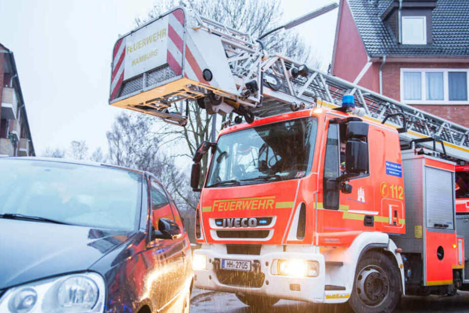 Die Feuerwehr Hamburg rückte mehrmals aus und fand keinen Brand (Symbolfoto).