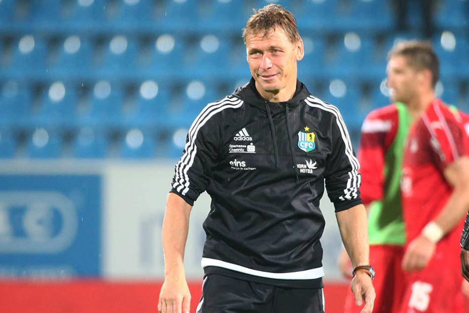 Trainer Sven Köhler appelliert an die Tugenden seiner Spieler.