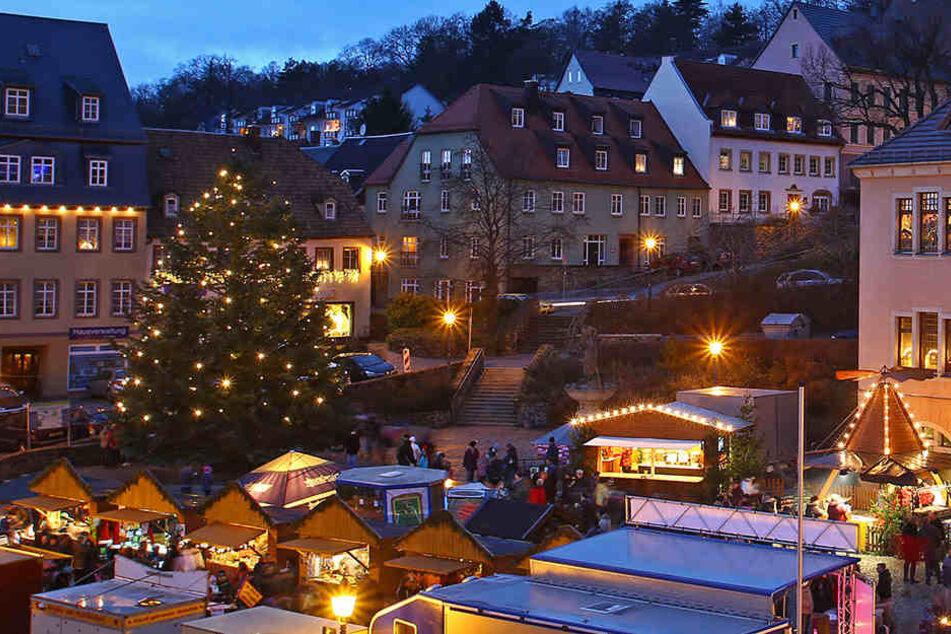 Stolze 15 Meter maß der Hohensteiner Weihnachtsbaum im letzten Jahr.