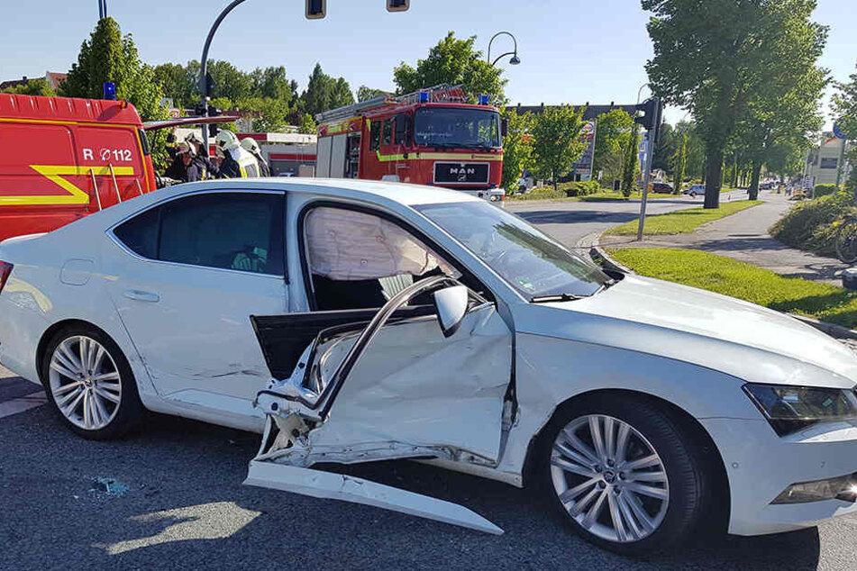 Die Beifahrerin musste aus dem Skoda herausgeschnitten werden.