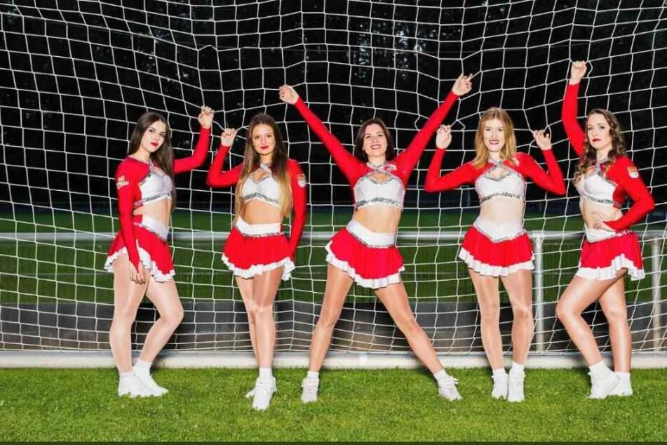 Einige der Cheerleader des 1. FC Köln.