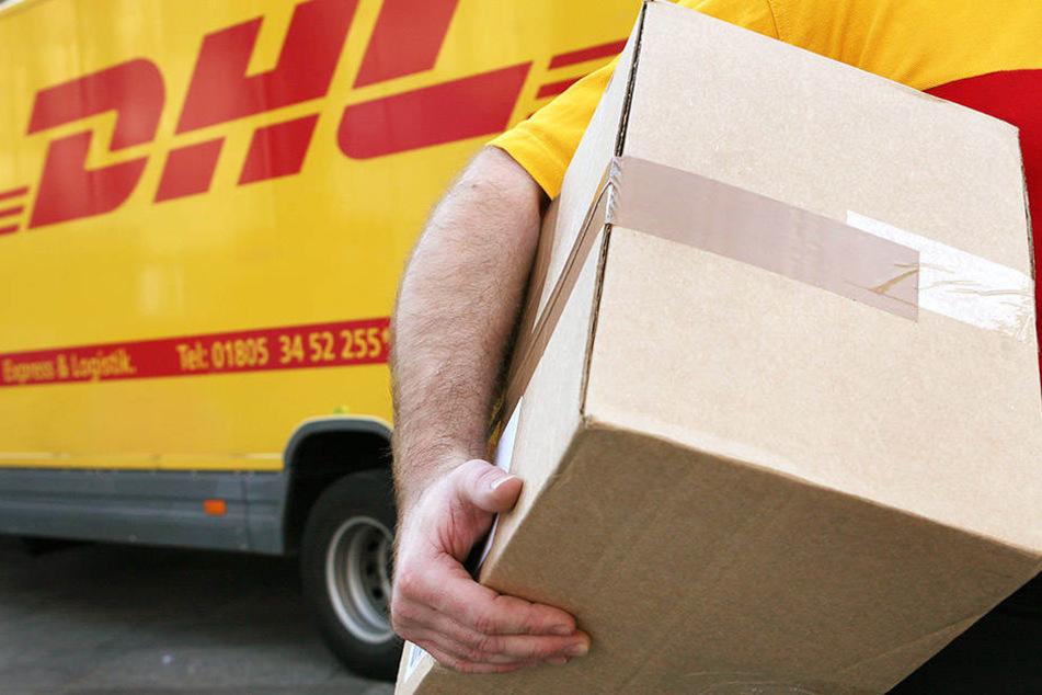 Auf dem Paket waren weder Adressat noch Absender vermerkt. (Symbolbild)