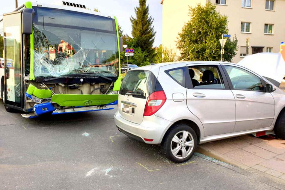 """Linienbus kracht in Auto: """"80 Prozent der Verletzten sind Kinder"""""""