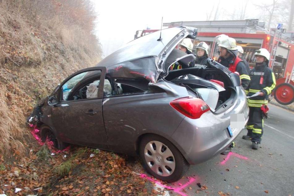 Eine Person verletzte sich bei dem Unfall schwer.