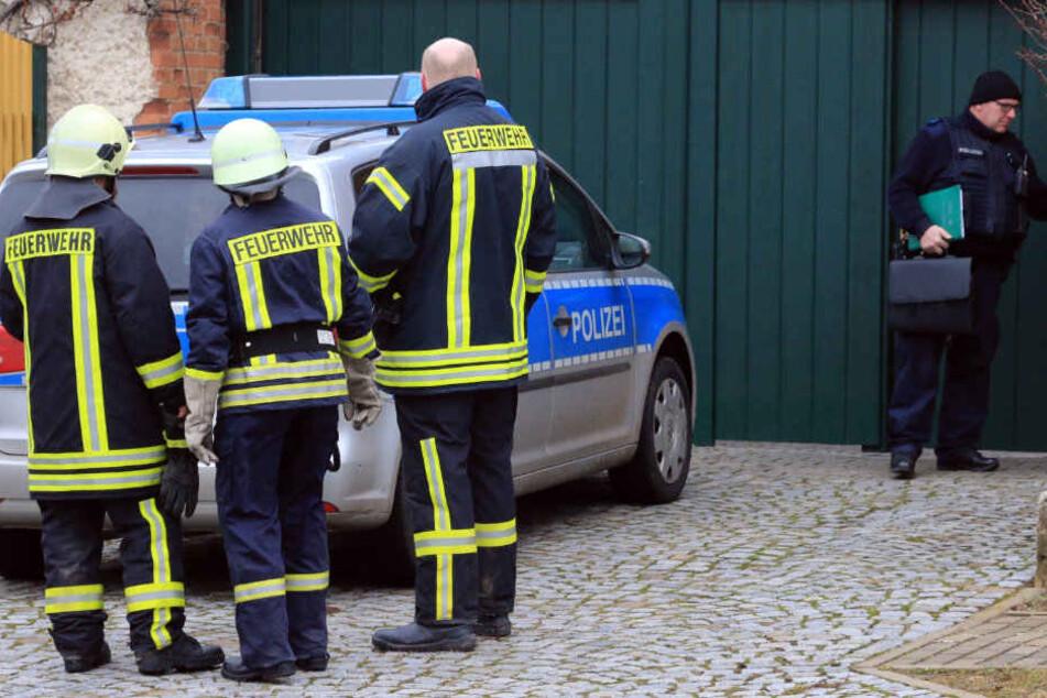Feuerwehrmänner fanden bei dem Brand die Leiche des Mannes.